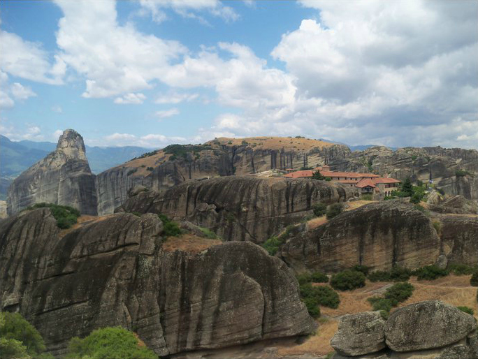 Cliffs_of_meteora